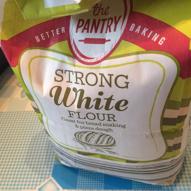 Packet of strong white bread flour - 1 day, 12 pics
