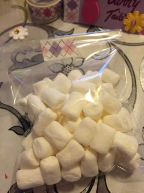 Seal marshmallows in bag - Easter activity