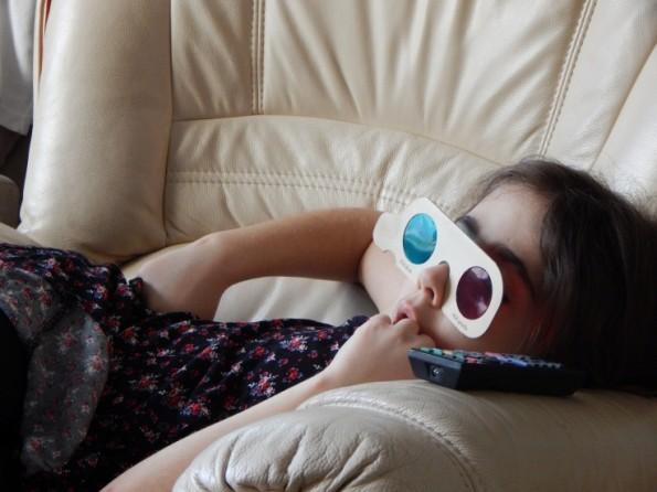 Ella watching a 3D movie