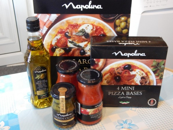 Napolina pizza bases and pizza sauce
