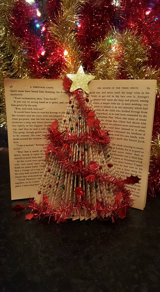 A Christmas carol folded book tutorial