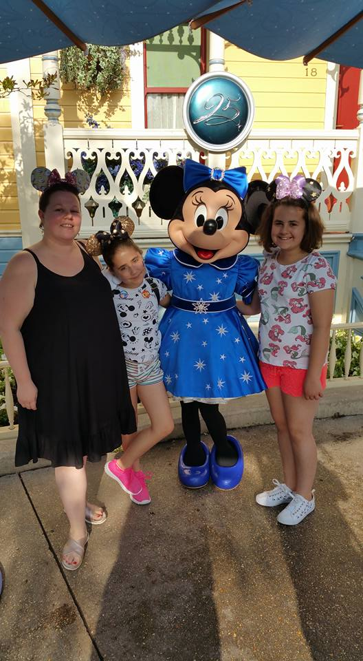 Kellyann, Kaycee and Ella with Minnie Mouse - Disneyland Paris Photos