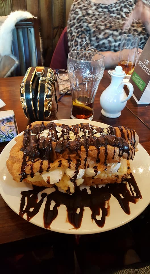 Chocolate eclair at Windmill Farm