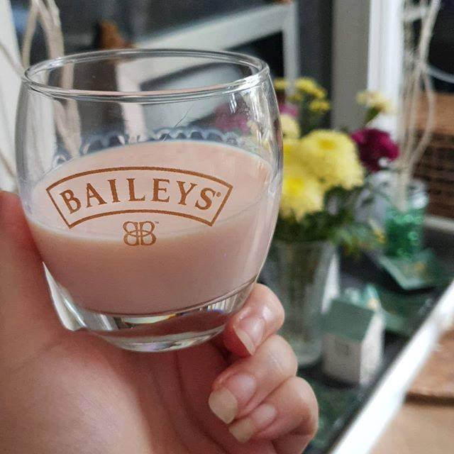 strawberries and cream baileys