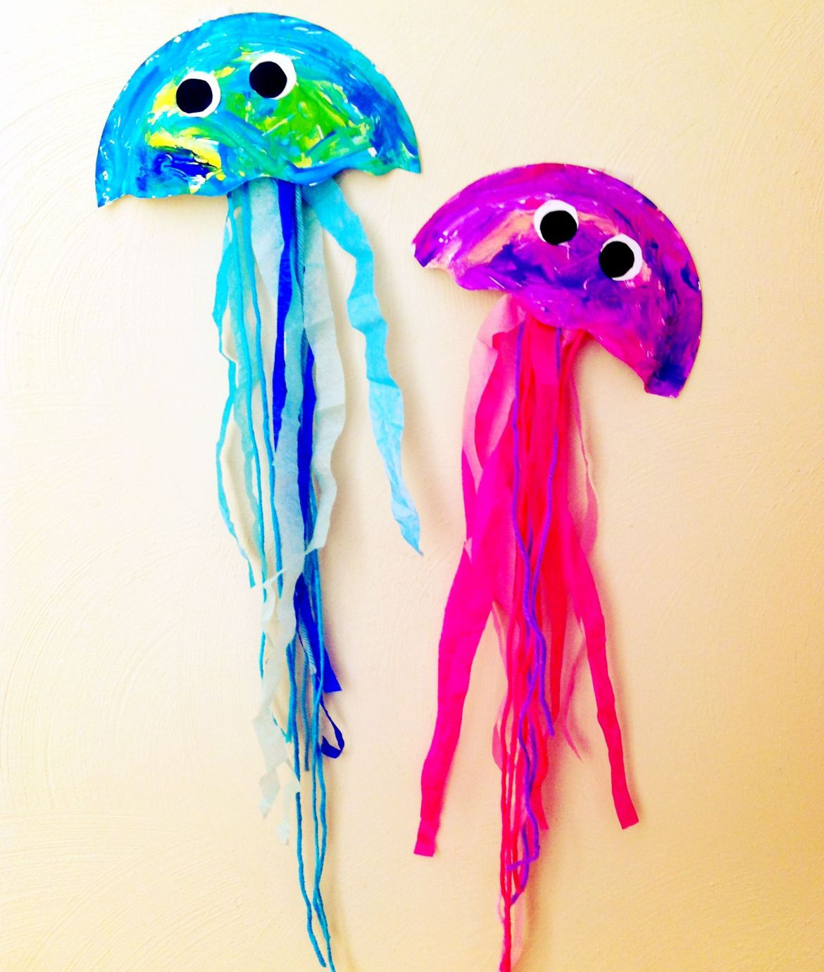 jellyfish made by using paper plates