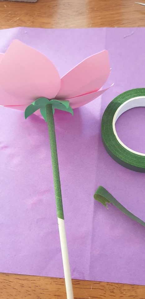 Anemone and vase tutorial - cover dowel in florist's tape
