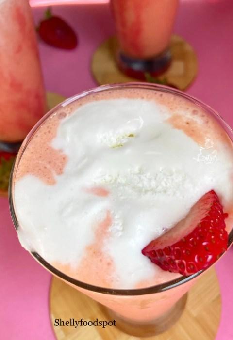 How to make strawberry milkshake with ice cream
