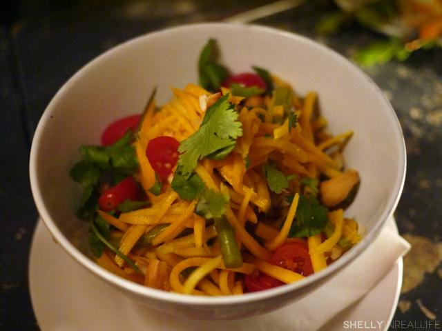 ducks_eatery_06_papaya_salad