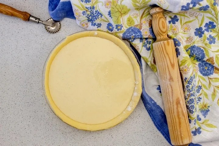 The ricotta pie is ready to be baked.