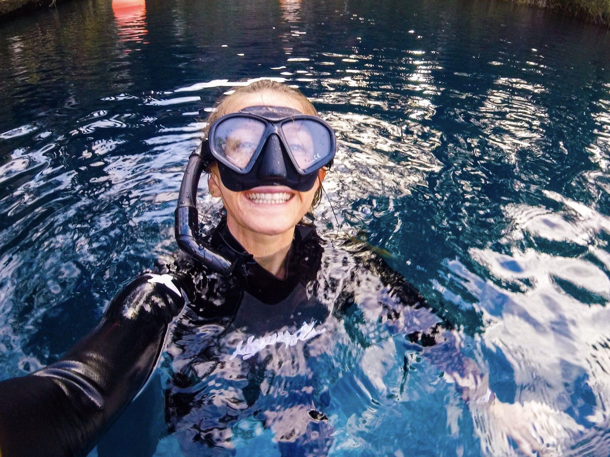 she-needs-less-blog-about-sidebar-tara-freediving