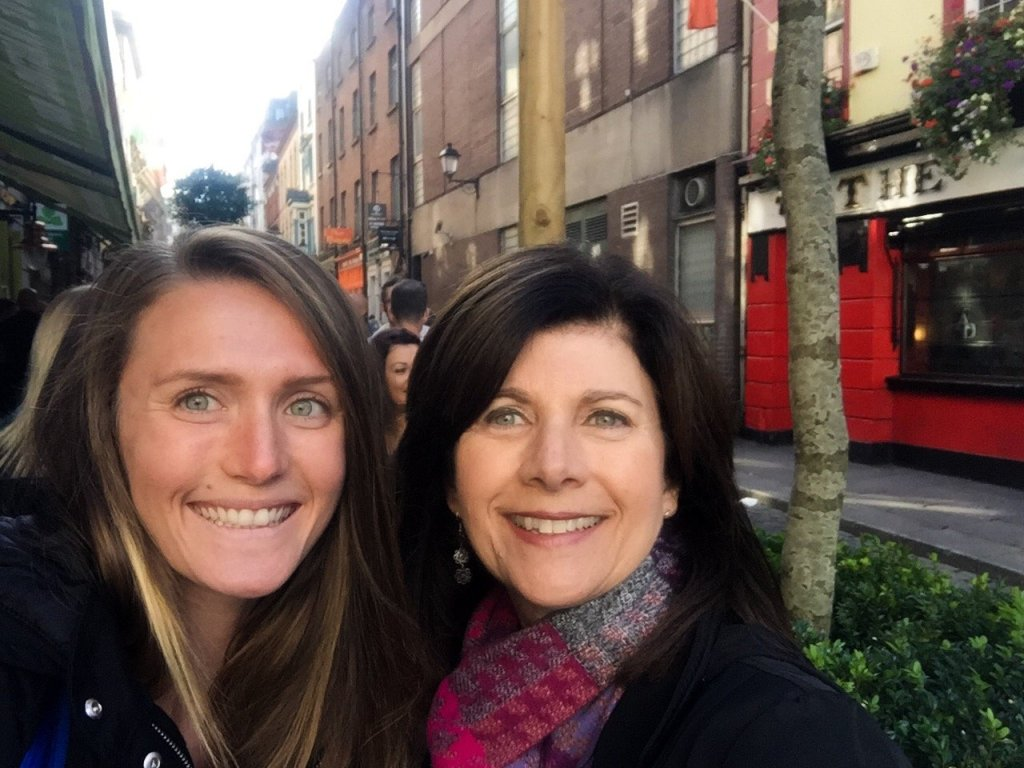 women-stop-dublin-bars
