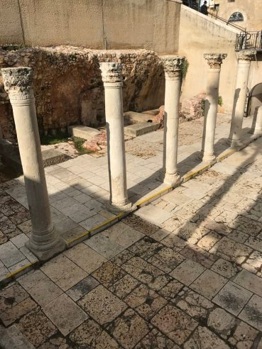 cardo-main-street-columns-jerusalem