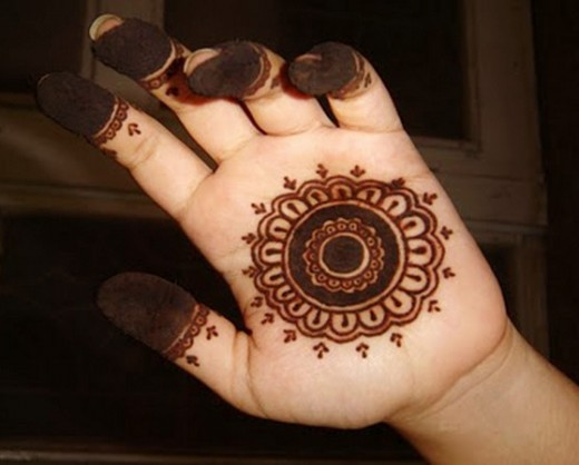 20 Simple Mehndi Designs For Hands Of All Time ShePlanet