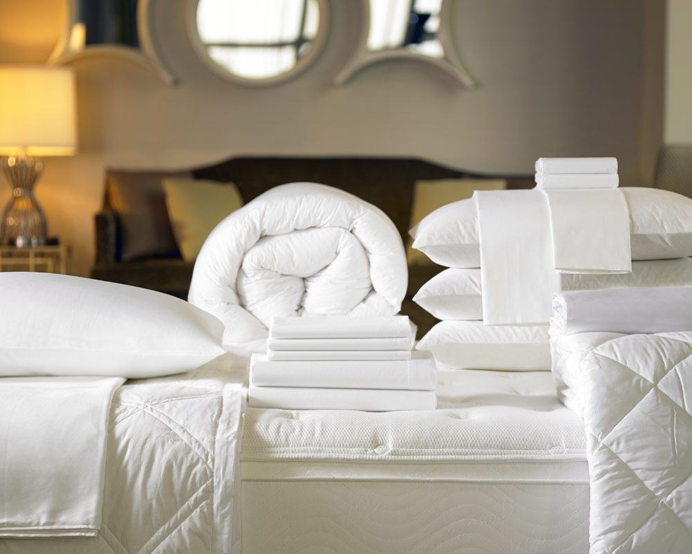 Signature Bed Amp Bedding Set Shop The Exclusive Sheraton