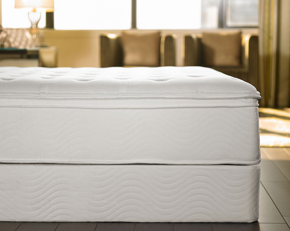 Deluxe Bed Amp Bedding Set Shop The Exclusive Sheraton