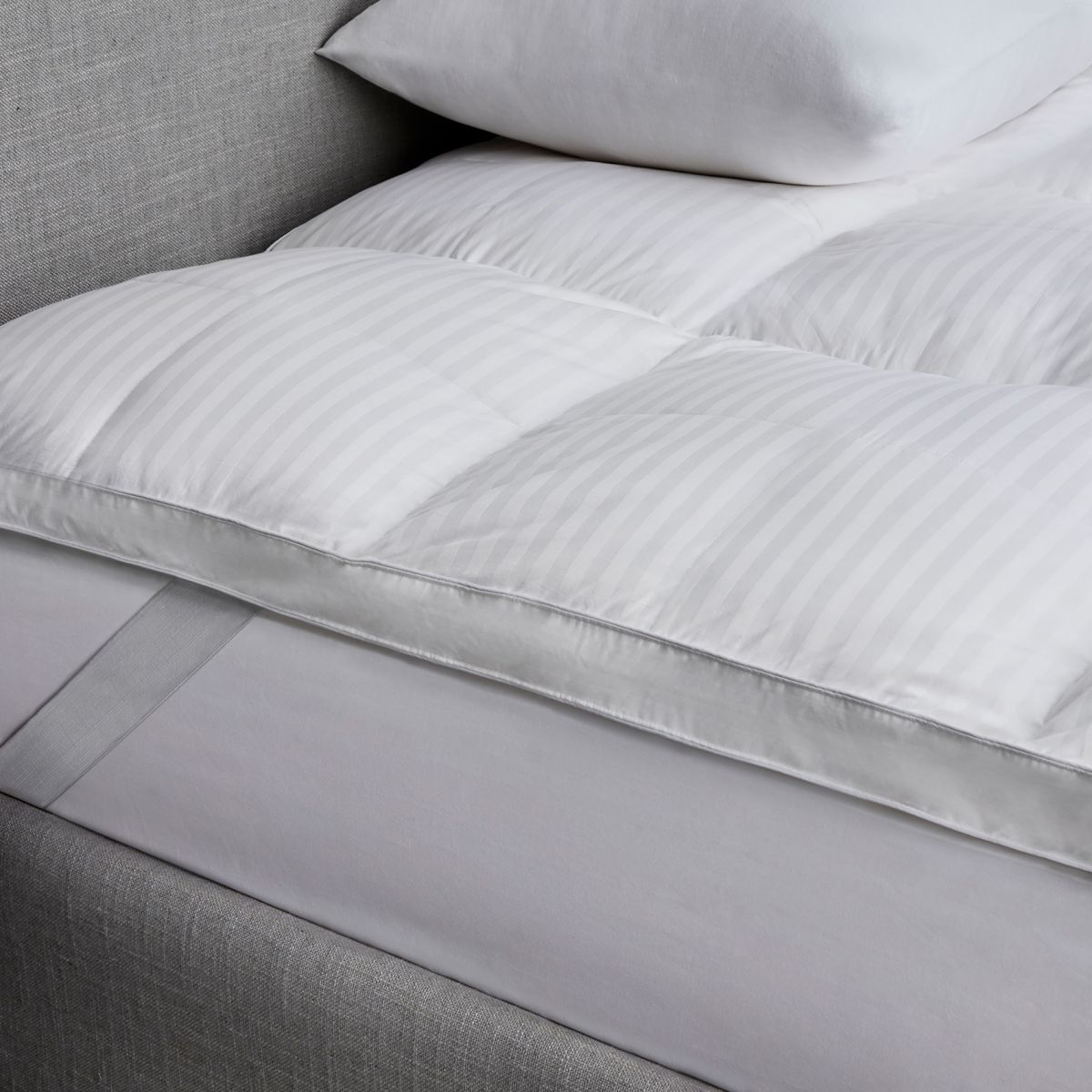 ultimate dream feather down bed topper