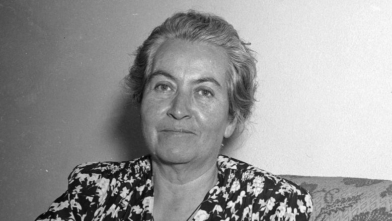 غابرييلا ميسترال.. عاشقة عزرائيل السرية