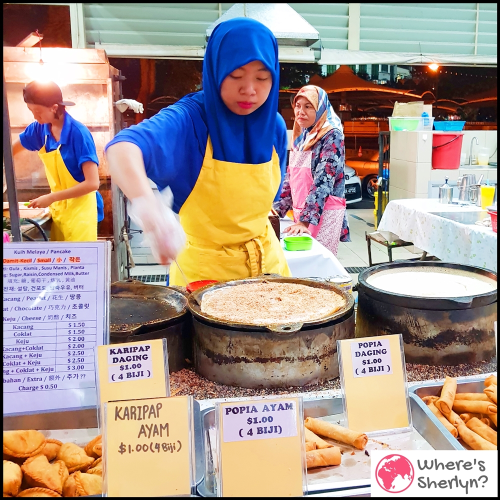 Where to Eat in Brunei: Excited about my Kuih Melaya (Pancake) which has chocolate and cheese at Gadong Night Market :D