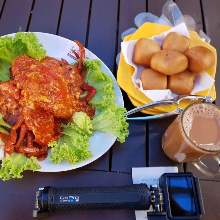 SOUTHEAST ASIA FOOD: Chilli Crab, Teh Tarik (Singapore Food)