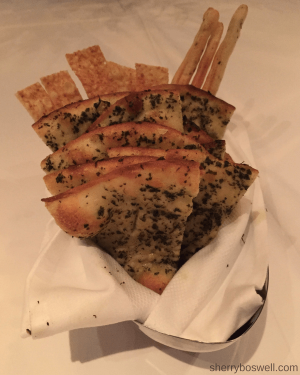 Disney Cruise Dining: Two Biggest Reasons to Try Palo | Palo dinner breads