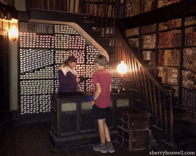 Wizarding World of Harry Potter tips from Universal Orlando include the Ollivander's wand choosing ceremony