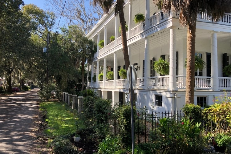 24 hours in blissful Beaufort, SC will mean some time spend taking in the beautiful Antebellum homes on a historic tour.
