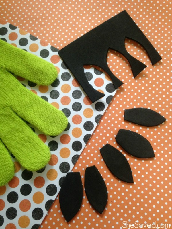 Make these easy witch hands for halloween!