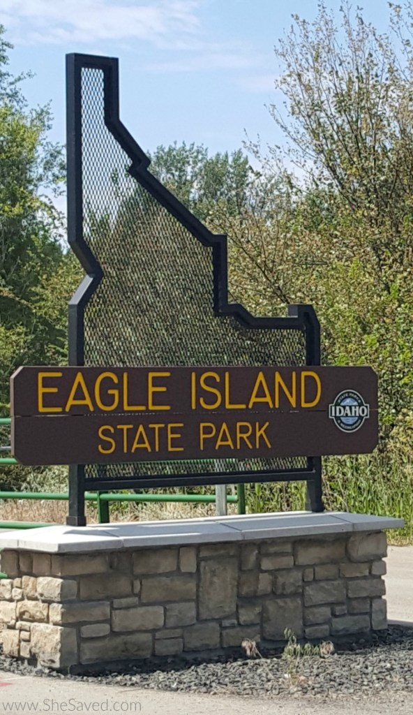 Just 8 minutes outside of Idaho's capital city of Boise, Idaho you will find Eagle Island State Park. A wonderful day use park, perfect for the entire family!