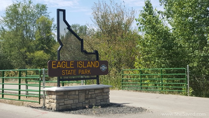 Eagle Island State Park is nestled right in Eagle, Idaho and makes for a wonderful family day trip get away!