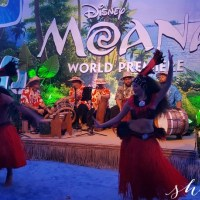 The World Premiere of MOANA and My Experience on the Blue Carpet #MoanaEvent