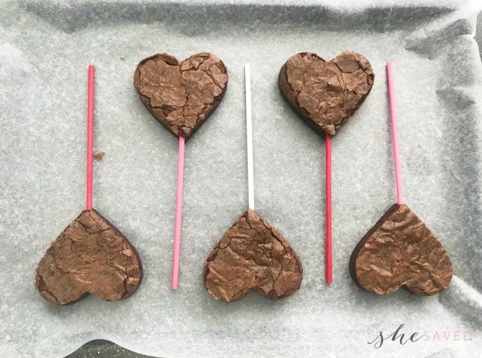Easy Valentine's Day Brownie Pops