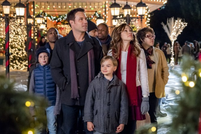 hallmark s mysteries a bramble house christmas premiering