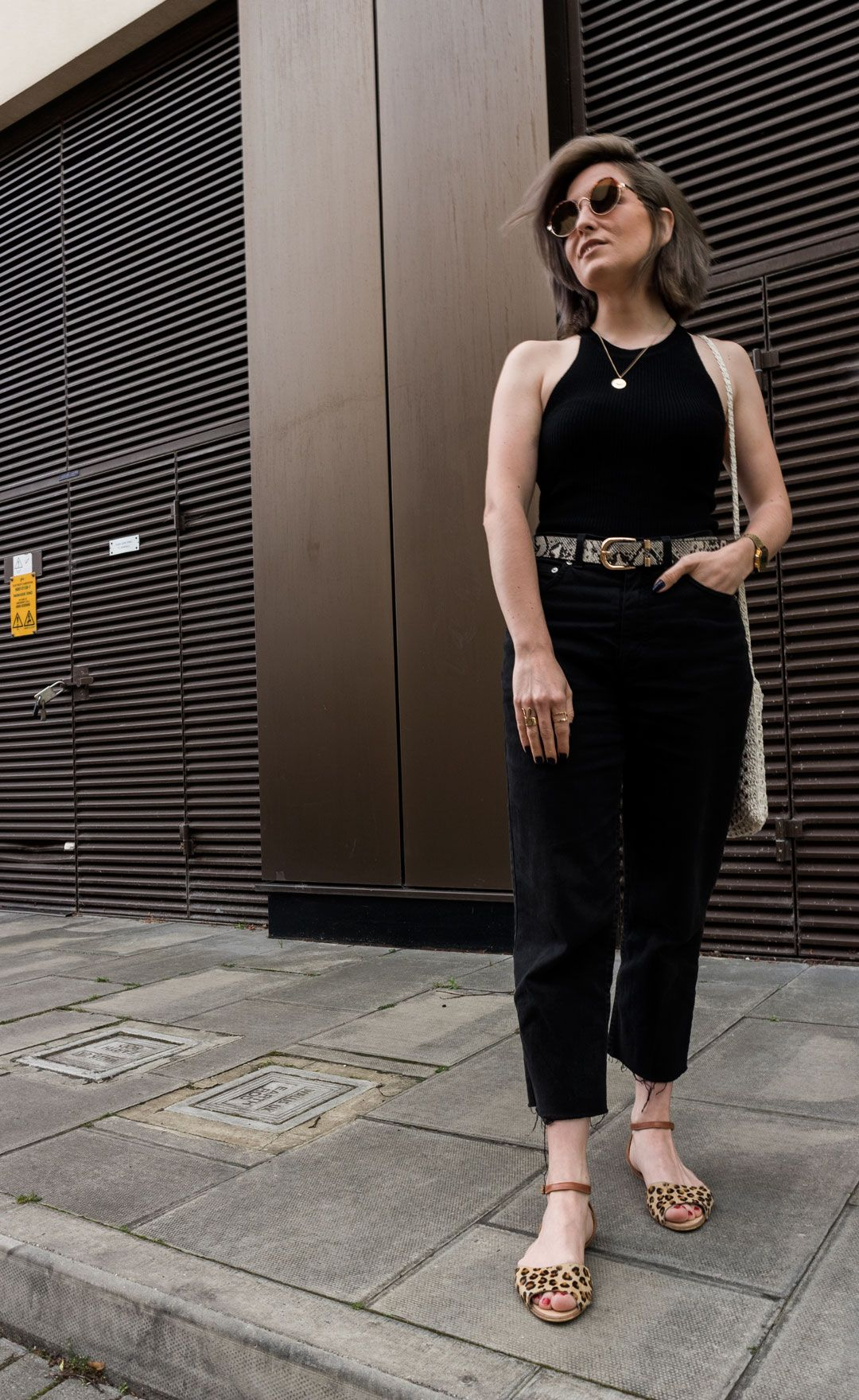 A chic way to animal print | Black on black with a touch of leopard & snake | Leopard sandals | Halter top | Mom jeans | Crochet bag | How to introduce animal print in your wardrobe | All black look | Urban chic outfit | Streetstyle | She talks Glam | Casual night date attire | Summer outfit | Minimal Streetstyle | UK Blogger | Positive Fashion | Cambridge Fashion | Spanish Blogger