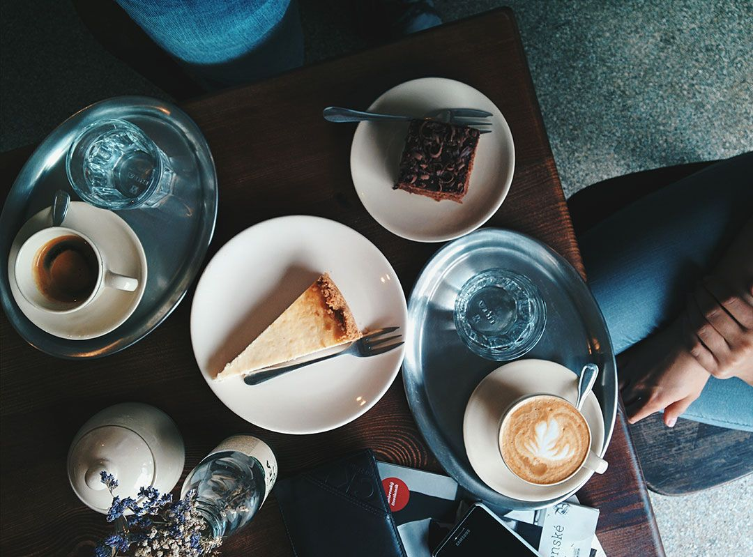 Cake and coffee | Photo via StockSnap.io | 10 things I have done in my 6 months as blogger