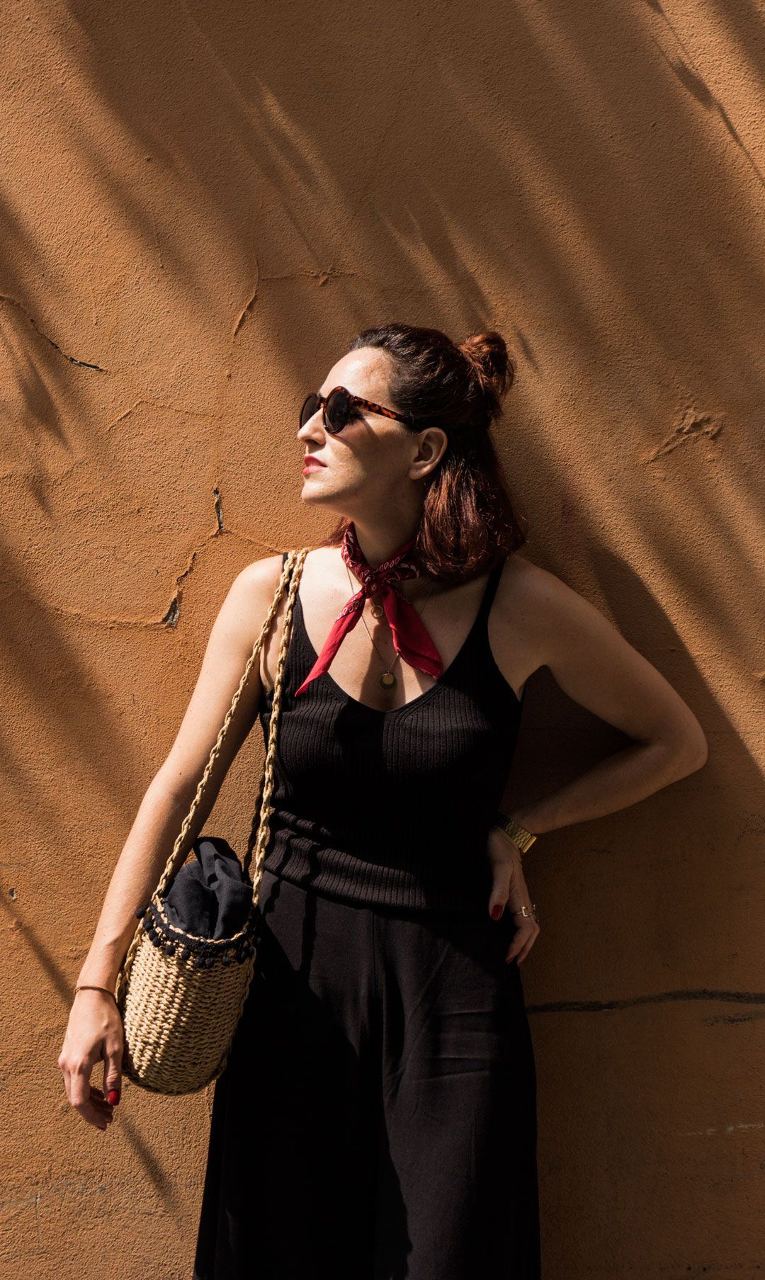 My Italian trip and how to dress for a hot summer in Tuscany   Effortless chic Italian style   Back culottes   How to style culottes   All black look   Red bandana   Stripes   Romantic look   Chic look   Summer outfit inspiration   Straw bag   Raffia bag   She talks Glam   Saida Antolin   Spanish Blogger   Italian Fashion