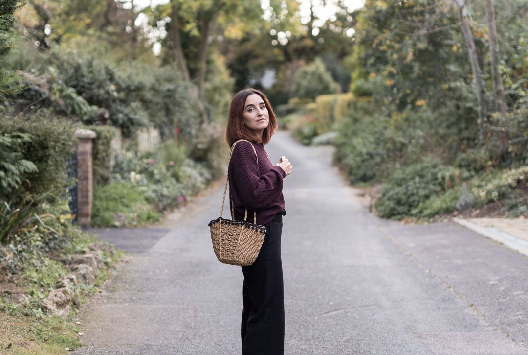How to make the most of your summer wardrobe in autumn | #Fallfashion | #culottes | How to style culottes in winter | #effortlesschic | #raffiabag | #basketbag | #netbag | #meshbag | #balloonsleeves | #autumnoutfit | #outfitinspiration | She talks Glam | Saida Antolin | #summerpiecesforfall | How to transition your wardrobe into fall | #falloutfit | #classiclook | #chiclook | Cambridge Fashion | #minimalchic | #blackculottes | #ZARA | #anklestrapheels