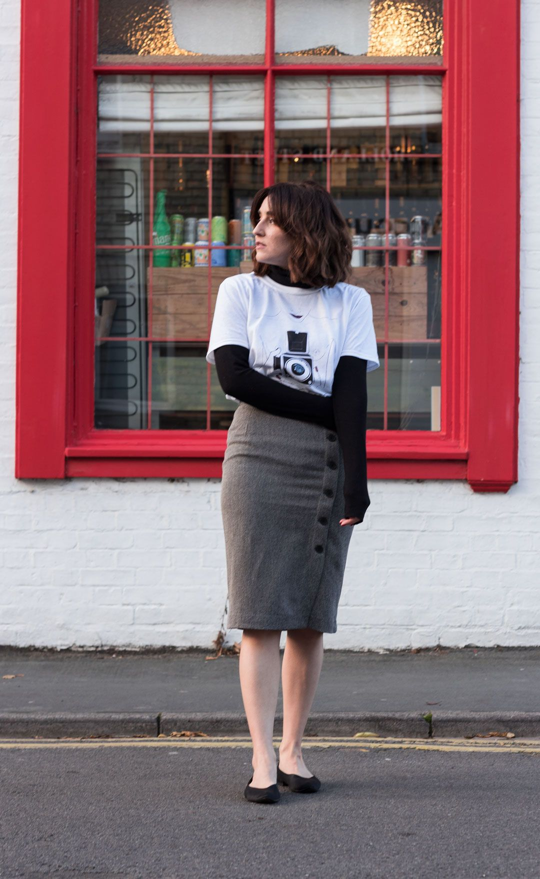 The feminist tee you need in your wardrobe   White printed tee   Teresa Pon La Mesa Drawings   #effortlesschic   #casualchic   #herringbone #pencilskirt   Classic black coat   Pointed flats   #winterfashion   #falllook   #autumnlook   Independent artists in fashion   #cottontshirt   How to wear a printed tee in a classy way   She talks Glam   Saida Antolin   #UKblogger   #kneelengthskirt   #classyoutfit   #parisianstyle   white tee