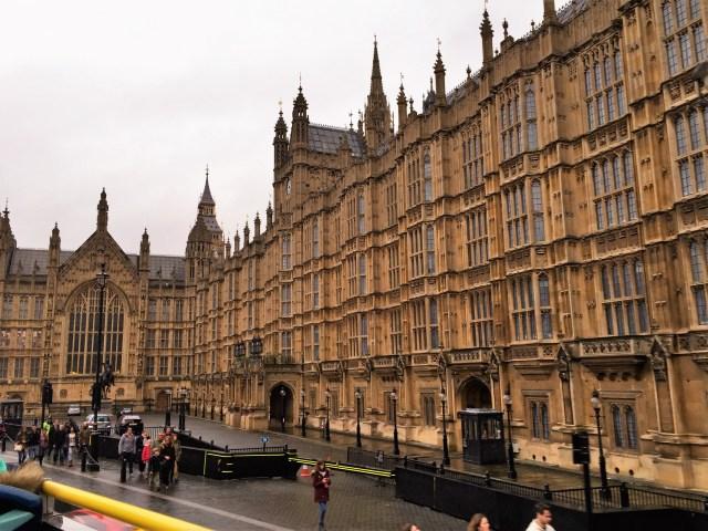 < London Parliament >