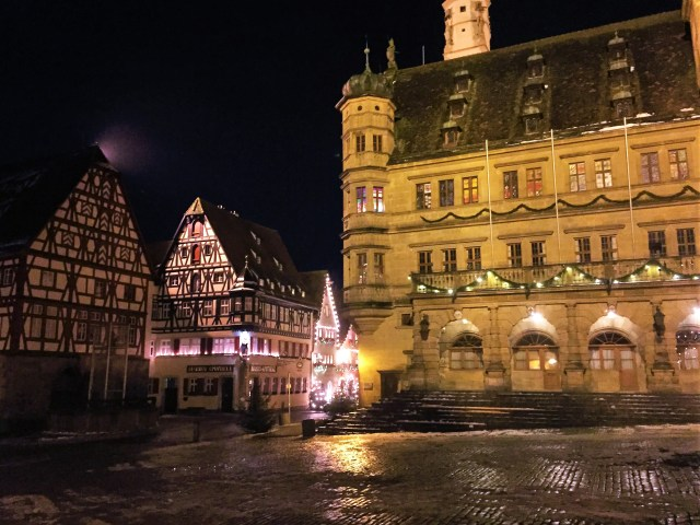 <Rothenburg Town Square>