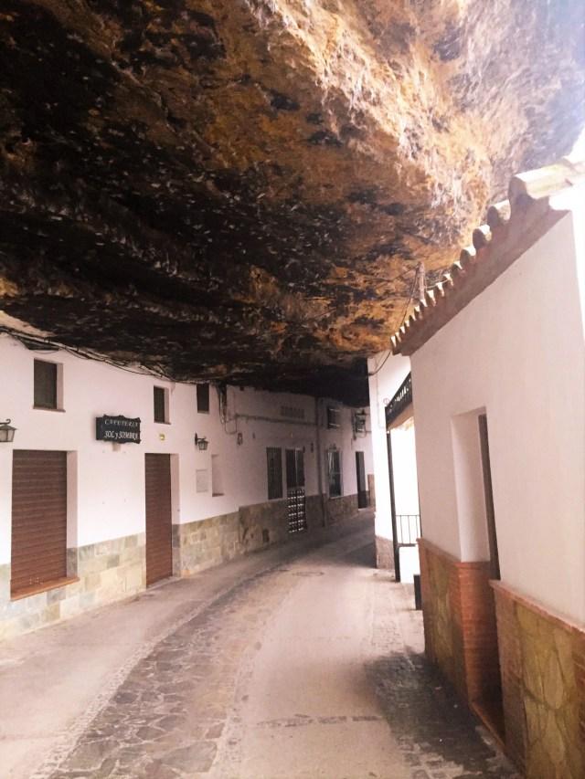 Windy streets of Setenil