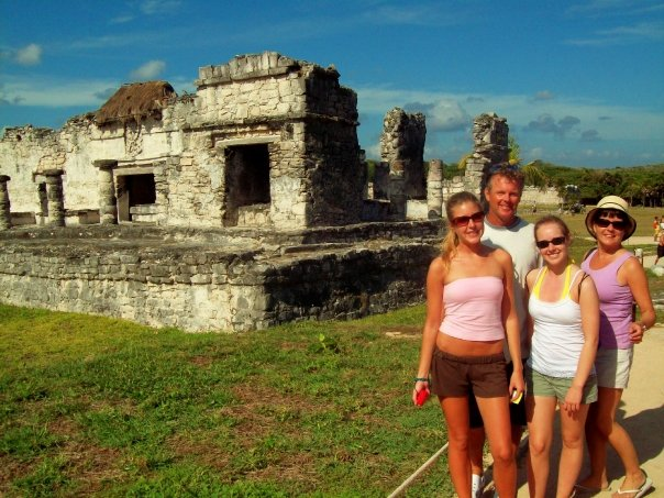< Great Palace of Tulum >