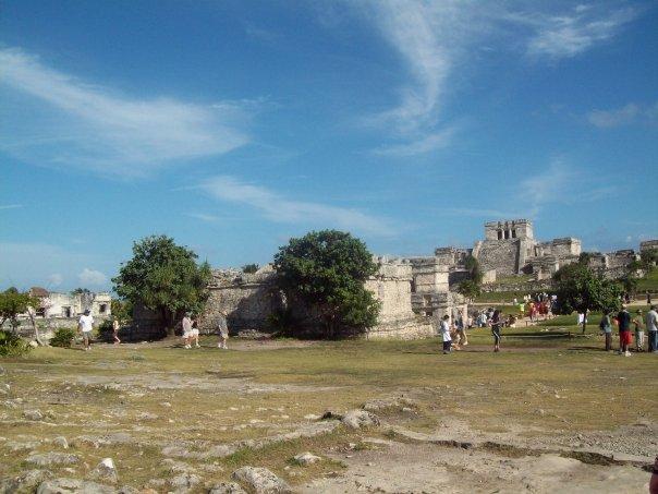 < Tulum ruins >
