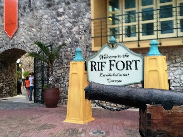 <Curacao Rif Fort>