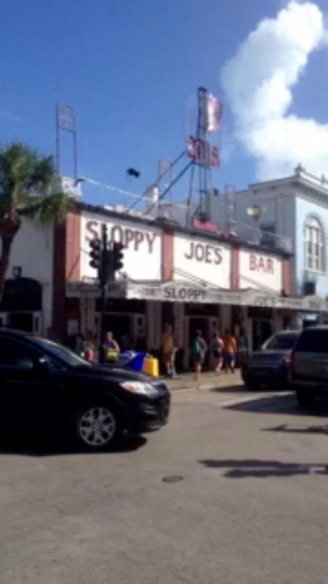 < Sloppy Joe's >