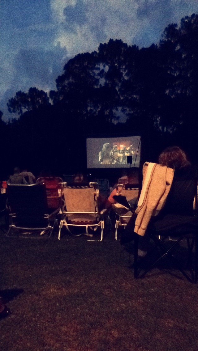 < Movies on the lawn at Mercato >