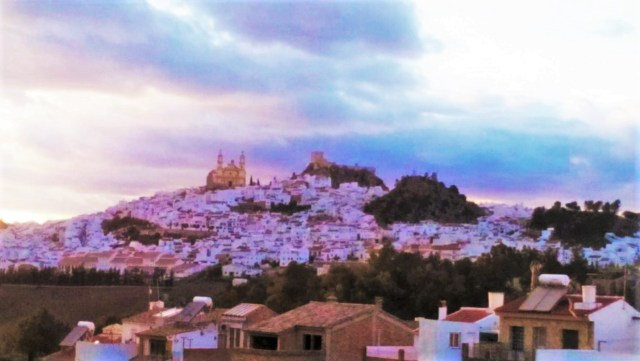 I left my boring, stable life in the U.S. to move to this beautiful, exciting Spanish town