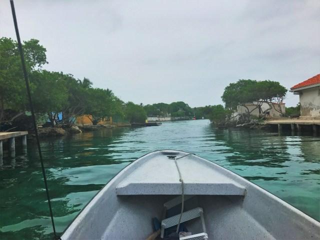 Boat tour around Isla Grande