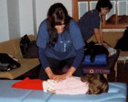 Shiatsu Voluntarios, aplicación en Huesos de Cristal