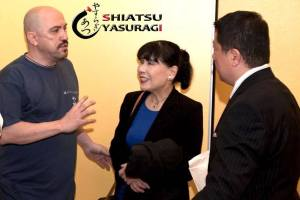 Fotos Shiatsu. Mastuko Namikoshi. Takashi Namikoshi y Arturo Valenzuela. Maestros de shiatsu