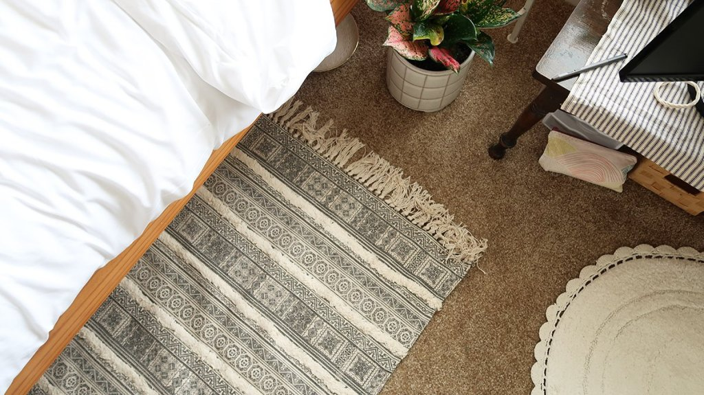 Bedroom Decorating Ideas - Rug